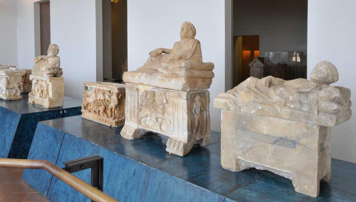 Urne etrusche in alabastro
