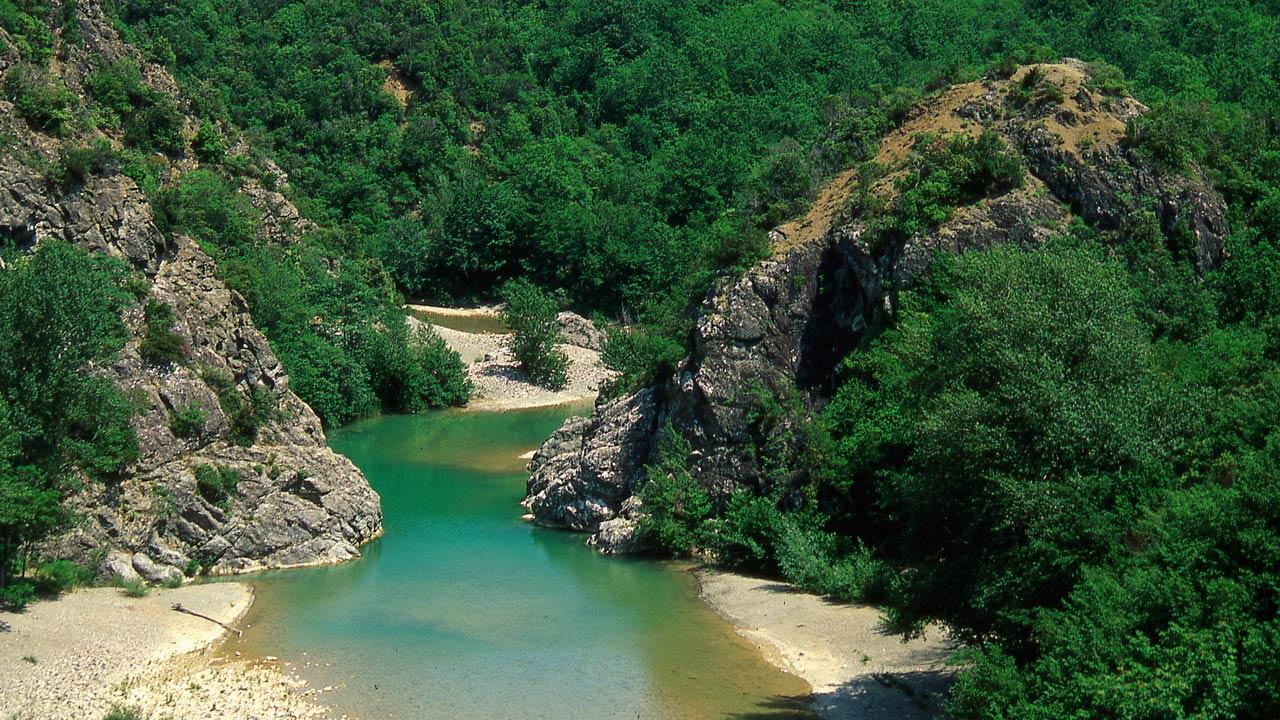Il fiume Cecina e il Masso delle Fanciulle